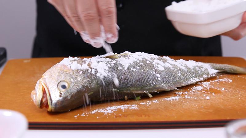 cách rán cá không dính chảo