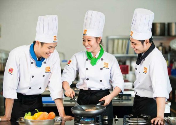 Có nên học nghề nấu ăn không? Học nghề nấu ăn ở đâu?