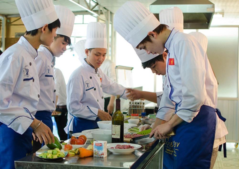 Nghề đầu bếp ngày càng có sức hút trong giới trẻ hiện nay