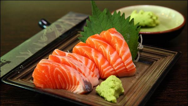 Cách khử mùi tanh cá hồi đơn giản hiệu quả tại nhà