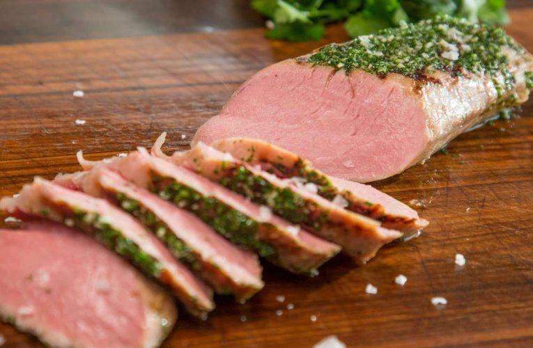Thịt lợn nạc bao nhiêu calo? Ăn thịt lợn có béo không?